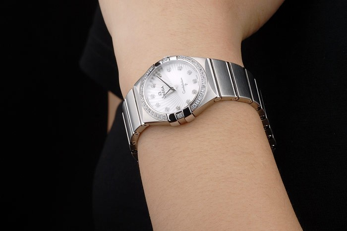 Swiss Lady Omega Constellation Crystal Encrusted Bezel Silver Radial Dial 80291